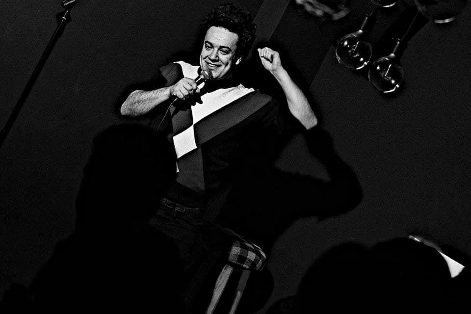 Auf der Bühne bei Ja&Weiter in München