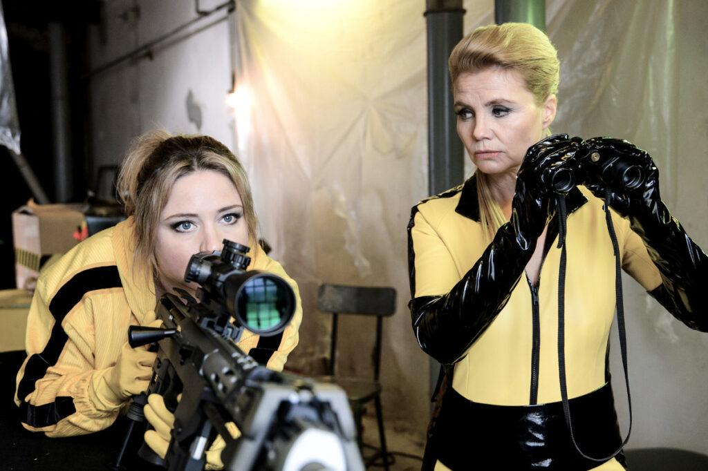 Szene aus Queens of Comedy mit Caroline und Annette Frier