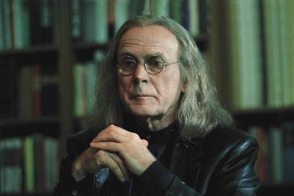 """Loriot als Dichter Lothar Frohwein im Film """"Pappa ante portas"""""""